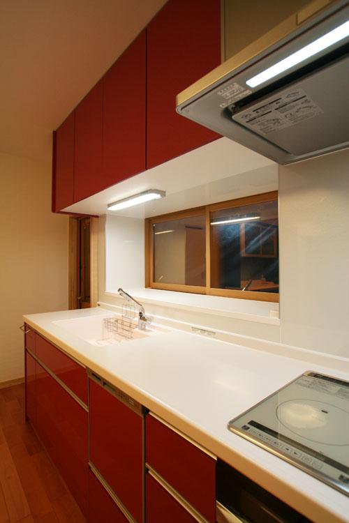 TOTOキッチンと無垢の桜材の床