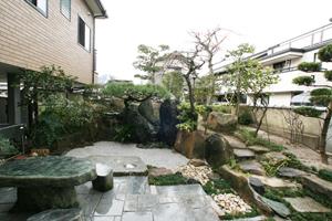 庭池の廃止。