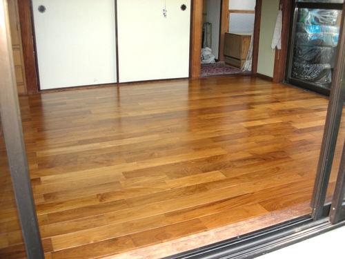 チークの床