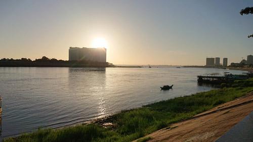 ドレンサップ川とメコン川